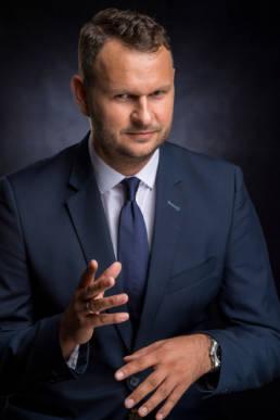 headshoot, portret biznesowy, biznesprofoto, wizerunek firmy, menager, szefa portret, najlepsza wizytówka firmy, kampania wizerunkowa dla firm